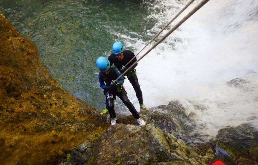 descente en initiation dans le canyon de Bious