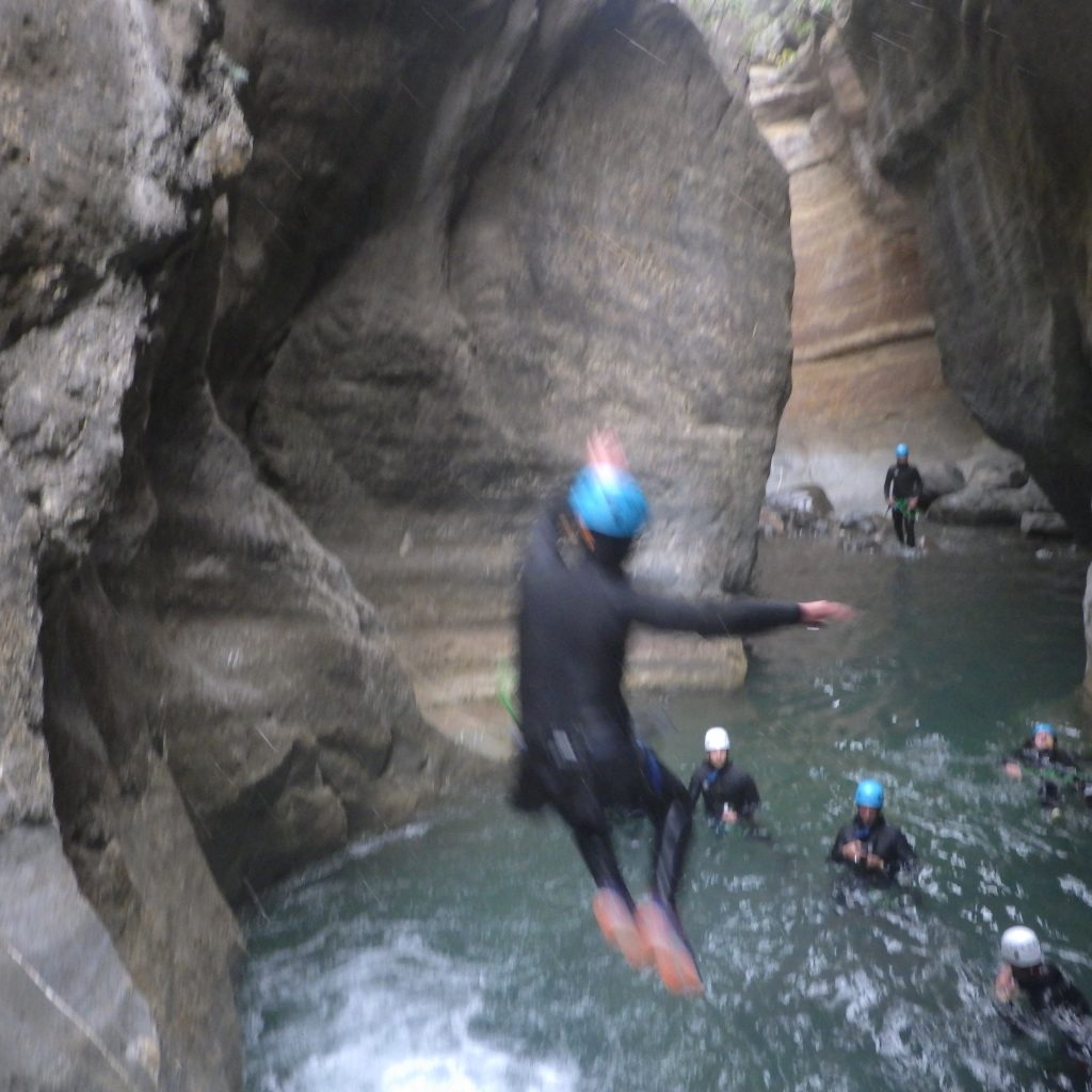 saut en journée canyoning en espagne canyon du gorgol