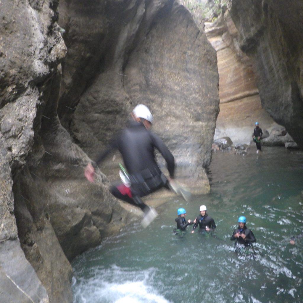 canyoning espagne saut au canyon du gorgol