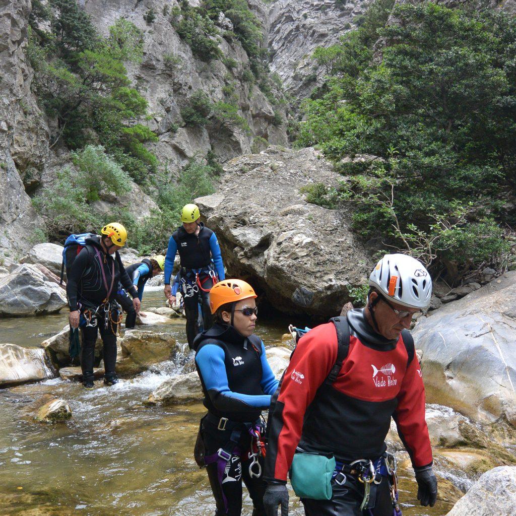 marche dans le canyon par déficient visuel
