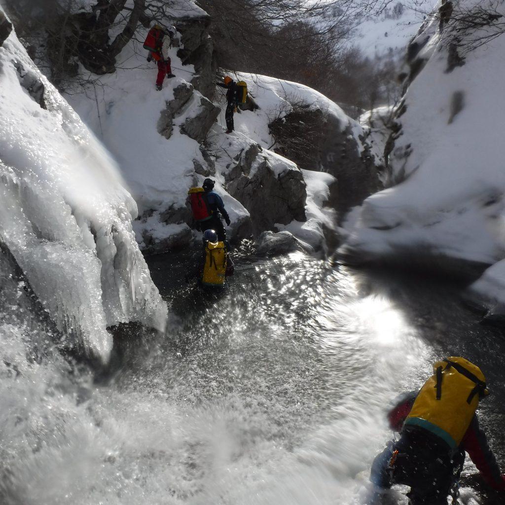 deplacement dans le canyon du Brousset