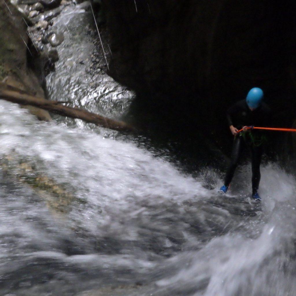 rappel de 13 m canyoning dans le canceigt