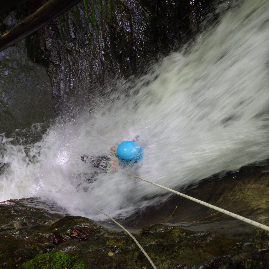 rappel toboggan dans le canyon du Bitet inferieur