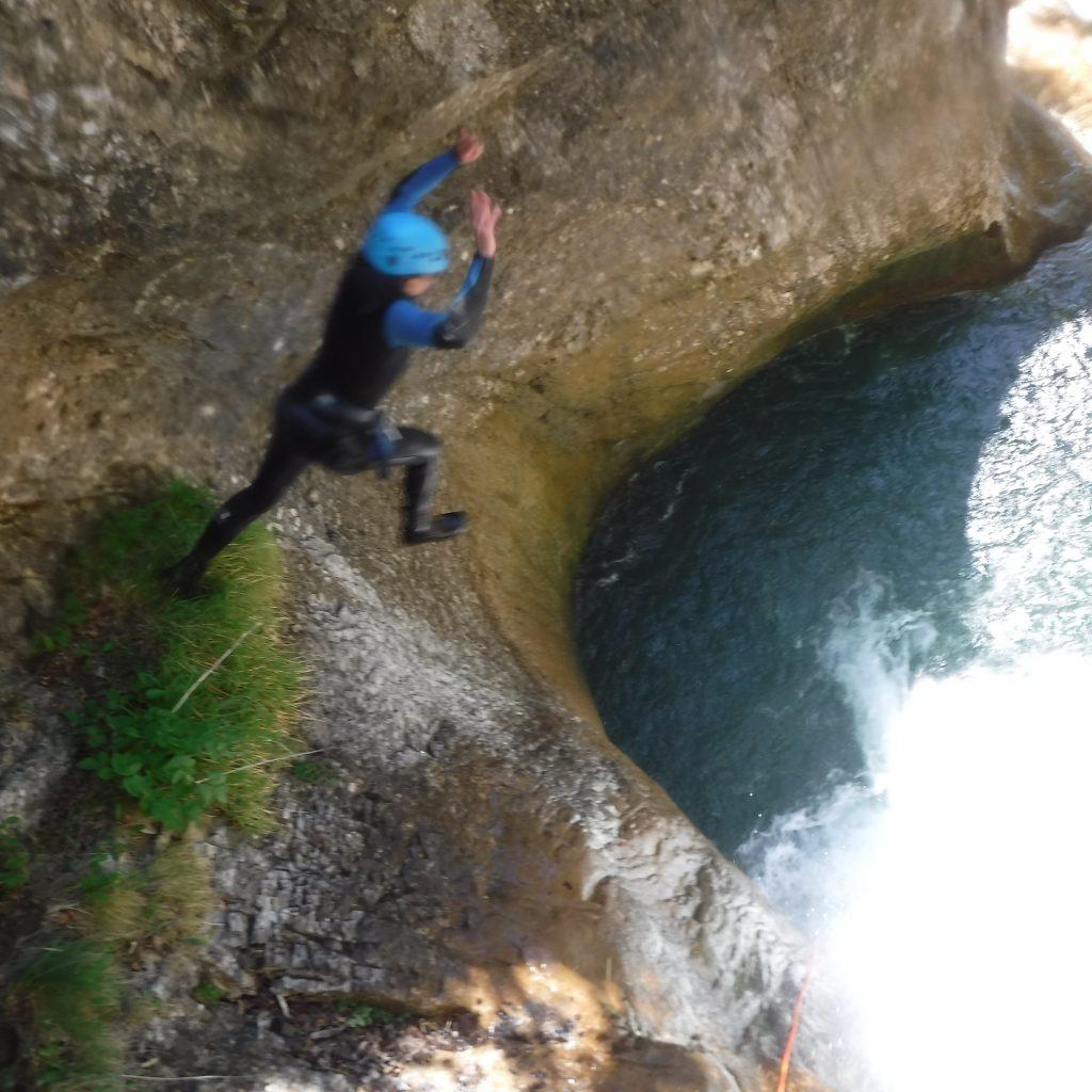 saut dans canyon du Bitet supérieur, journée aventurier