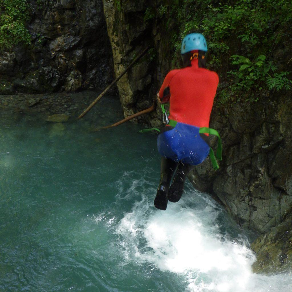 séance de sauts freestyle dans le canyon de Bious