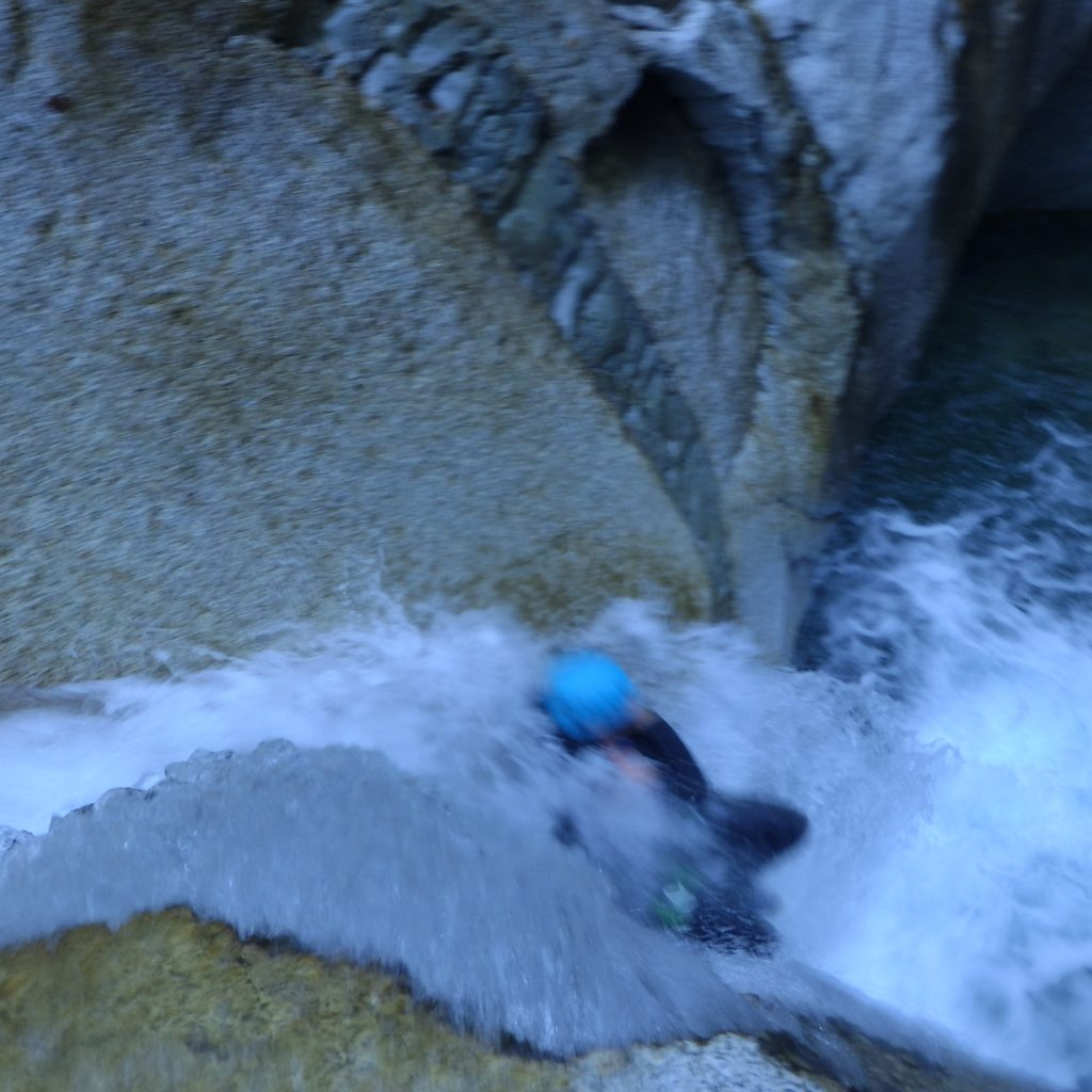 toboggan ejectable dans le canyon du Soussoueou
