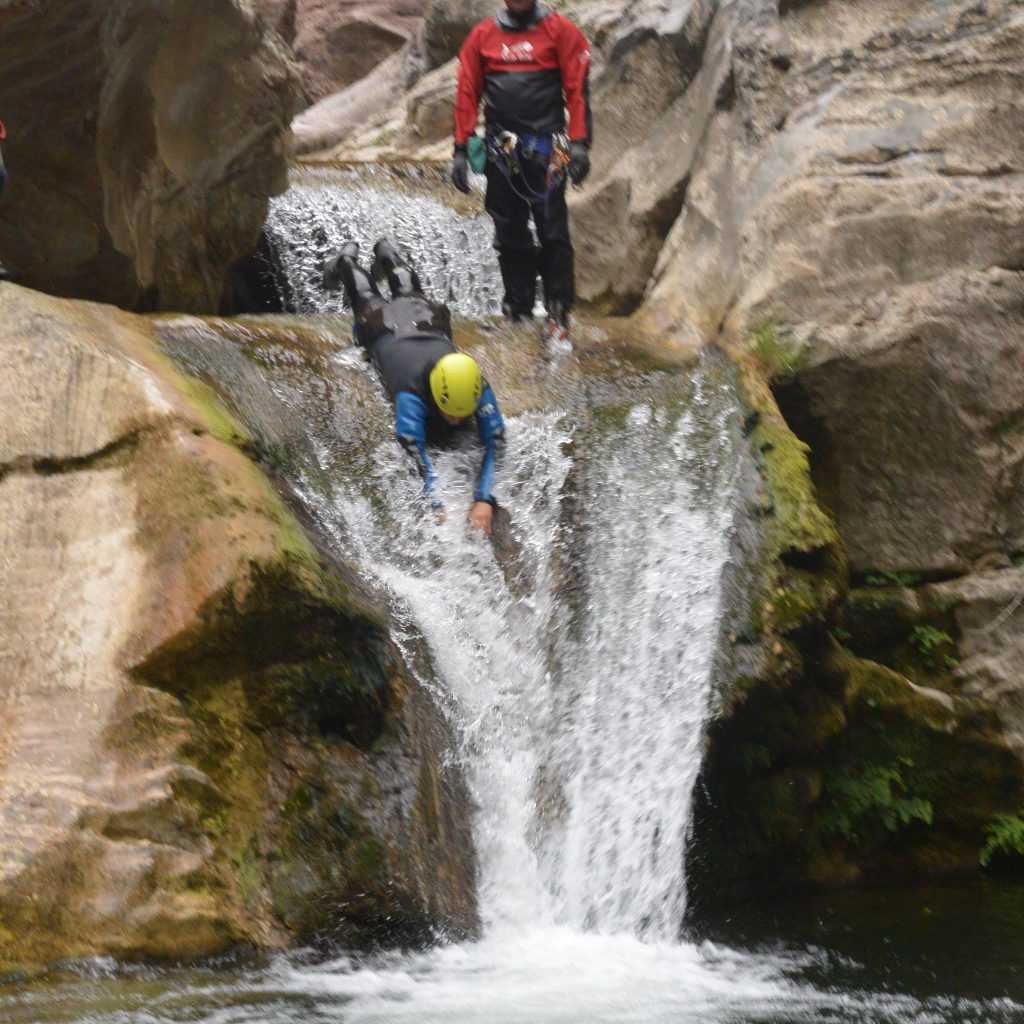 descente d'un toboggan sortie handi canyon clue du terminet